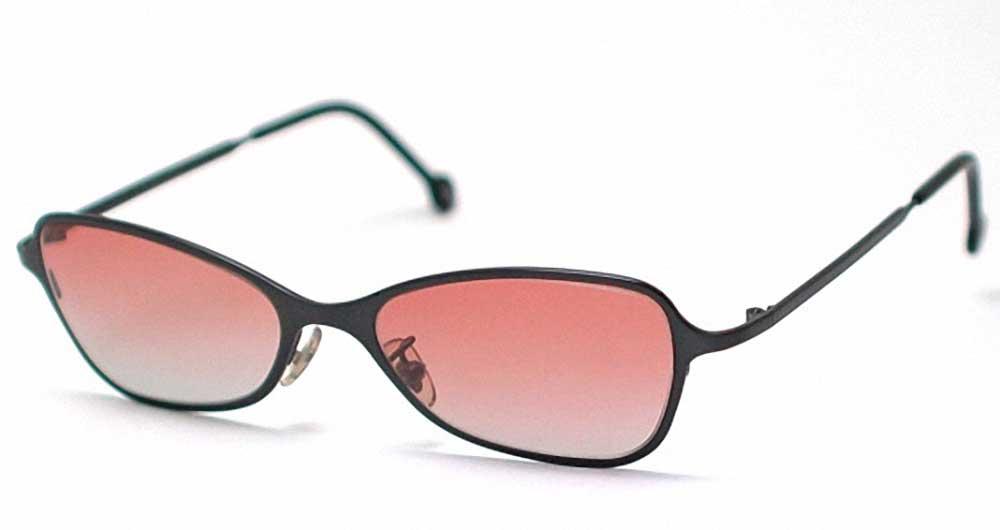 LAE-SG--Blk-frame-pink-lens